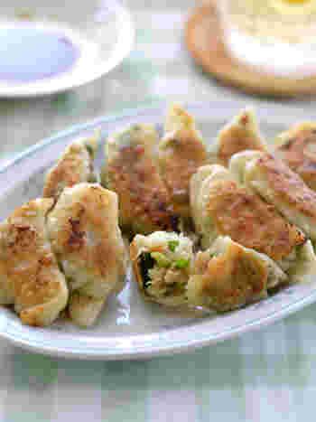 ゼラチンで固めた煮こごりを包んだ餃子は、じゅわ~っとジューシー!ゼラチンの特性を生かした技ありな一品です。