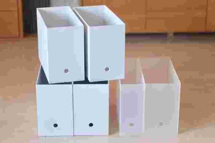 無印良品のファイルボックスを書類ケースとして使ってもいいですね。置き方は自由自在!棚や引き出しの中に置いて、書類を縦置きすることもできます。