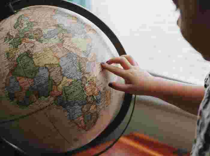 『地球儀』で家にいながら世界を知ろう。学習用からインテリアまで10選