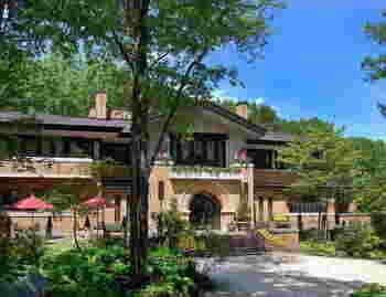 自然の中でゆったりとリゾート気分を味わいたい、森の中のホテル「ラ・ネージュ東館」。 自然と融合した「森の中に佇むスモールラグジュアリーホテル」がコンセプト。大自然に囲まれたホテルで上質なひとときが過ごせそう。