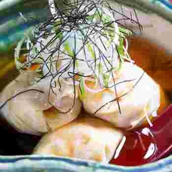 京料理に欠かせないお豆腐も、お店で毎日丁寧に豆乳から作っています。その過程でできる湯葉はなめらかな舌触りが上品で、うっとりしてしまうおいしさ。京料理ならではの滋味あふれる優しい旨味を堪能してみませんか?