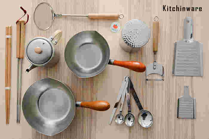 料理好きの人にキッチン道具をプレゼントするのは、ちょっと勇気のいることですよね。 でも、使用やデザインにもこだわったアイテムならきっと喜んでくれるはず。 また少し珍しいアイテムでも使いこなしてくれそうですよね。おすすめの『優秀キッチン道具』をご紹介します。