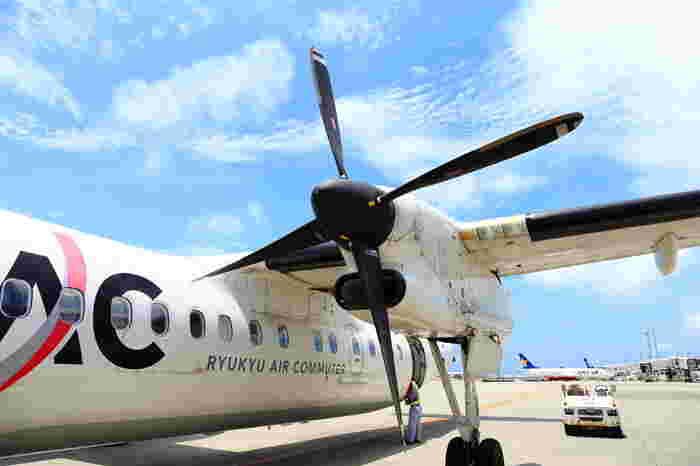 与論島への行き方は、鹿児島か沖縄から飛行機かフェリーの2種類があります。