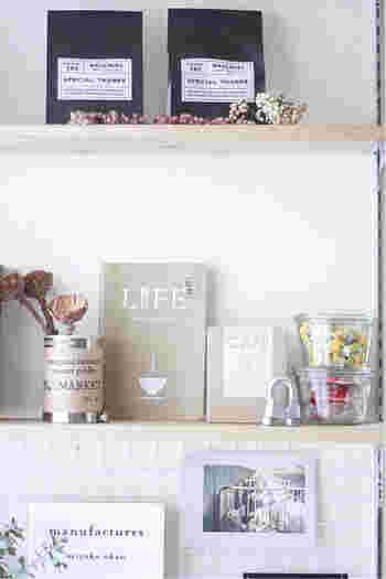 センス良く並べられた小物雑貨、すっきりと片付いたデスク。仕事に、趣味に心地よく使いやすい空間に仕上がっています。