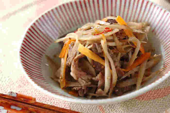 だし無しでできる和食はたくさんあります!和食の炒め物の代表選手といえばきんぴら。根菜類に牛肉をプラスしてボリュームあるおかずに。