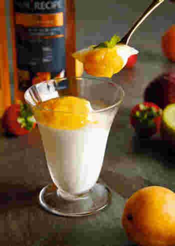 あんずはピューレにしてソースにするのもおすすめ。こちらのレシピでは缶詰のあんずを使っていますが、この季節には貴重な生果実を使って、フレッシュなアプリコットソースを作ってみましょう。