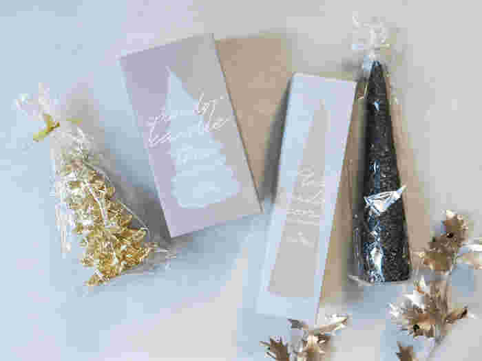 また、クリスマスキャンドルならお友達へのプレゼントにも◎クリスマスらしい贈り物として大変喜ばれますよ♪クリスマスツリーの形のみならず星型や雪だるまなどクリスマスを連想させるアイテムと一緒に飾るのも良さそう♡