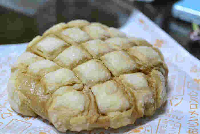 おいしいメロンパンを食べながら、雑司ヶ谷の町を散策するのもおすすめです。鬼子母神までは歩いて5分ほどです。