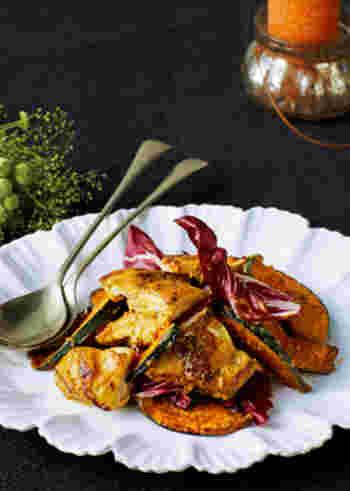 コスパの良い鶏肉とかぼちゃが立派なおもてなし料理に。ワインと一緒にいただいても相性バッチリ。