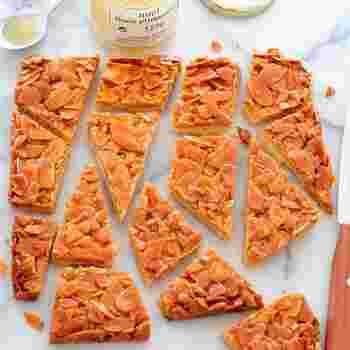 お店でよく見かけるフロランタンも手作りすることができるんですよ!サクサクのクッキーとこんがりアーモンドの相性は抜群です♪