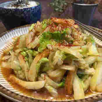 具材は、2つのみ。かさのある白菜に、ちくわやオイスターソースのうまみが絡んで満足感のあるおかずになります。