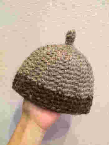 編み方や素材でもニュアンスが変わる、今注目の『どんぐり帽』です。