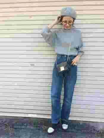 昔ママが若い頃に履いていたジーンズを借りて履いているようなイメージで、トレンドアイテムと合わせてコーディネートを楽しむのが、世界中のトレンドセッターの間で流行っているそう!!