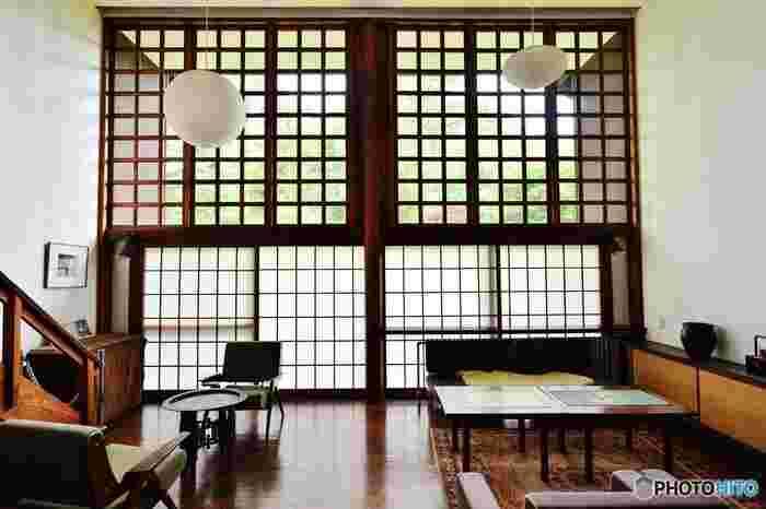 その中でも、木造モダニズム建築の傑作といわれている前川國男邸がおすすめ。今見ても、モダンでおしゃれなお家は真似したいアイデアがたくさん発見できるはずです。