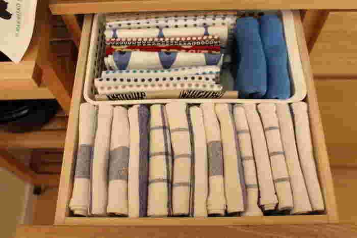 キッチンに布巾(ふきん)やタオルは何枚ありますか?台拭き用と食器拭き用、もしそれだけだったら布巾の良さをまだまだご存知ないかも!布巾には、さまざまな使い道があるんですよ♪