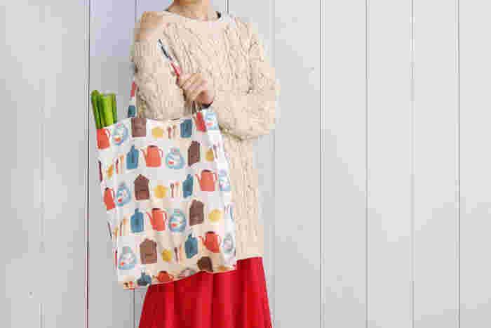 レジ袋有料化がスタートし「エコバッグ」がにわかに注目を浴びています。今までレジ袋をもらえた店でもエコバッグが必要になったり、衛生面を考えて、まめに洗う必要が出てきたり…「布のエコバッグ、あと何枚かほしいな」それなら、自分で作っちゃいましょう!