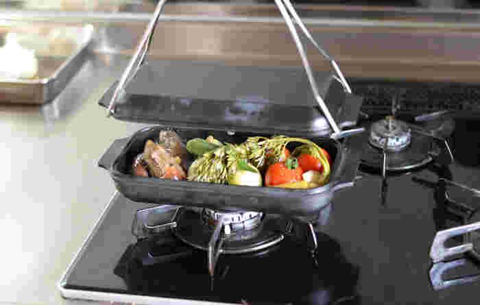 WEEKENDERは炭火もガスもIHも対応しているので、屋外でもお家の中でもどこでもいつでも料理が楽しめます。