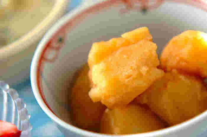 ジャガイモは腹持ちも良いので、あと一品欲しいときの副菜にとっても便利です。煮込むだけなので簡単に作れますよ。ほっくりとした優しい味わいの美味しさを召し上がれ。