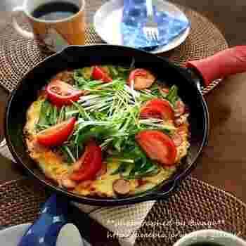 食物繊維たっぷりのレシピは、ピザ生地に大根餅をつかって、トッピングにも野菜をたっぷり。 ヘルシー食材で作るレシピですが、食べごたえは十分。ランチならコレ一つで大満足のボリュームです。
