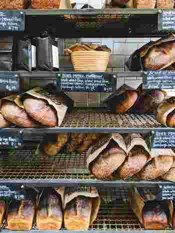 """ちょっと街から離れた郊外にあるパン屋さんも魅力的。「いつか行ってみたい」と思っているだけでは美味しいパンは食べられません!「いつか…」と思っていた""""ちょっと遠くのパン屋さん""""に、思い切って出かけてみませんか?"""