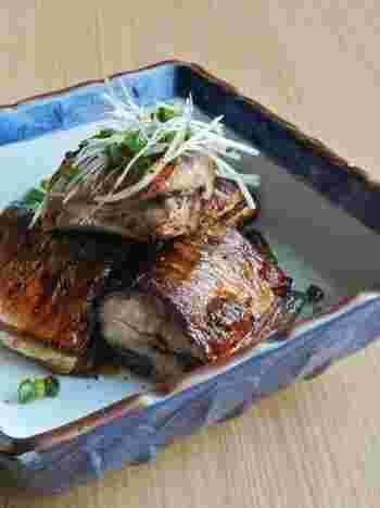 普通の塩焼きに飽きたら、こんな大人向けの味付けはいかが?秋刀魚の肝を使って、余すことなく秋刀魚の味を楽しめます。