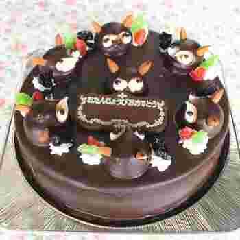 こちらは、バースデーケーキ。タヌキがいっぱいのった楽しいケーキは、子供用だけでなく、年配の方も喜んでくれそう。