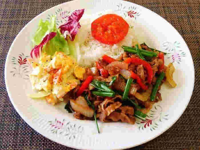 牛肉と野菜を炒め、ガラムマサラを加えて仕上げるだけ。常備菜にもなり、お弁当のおかずにもぴったりです。