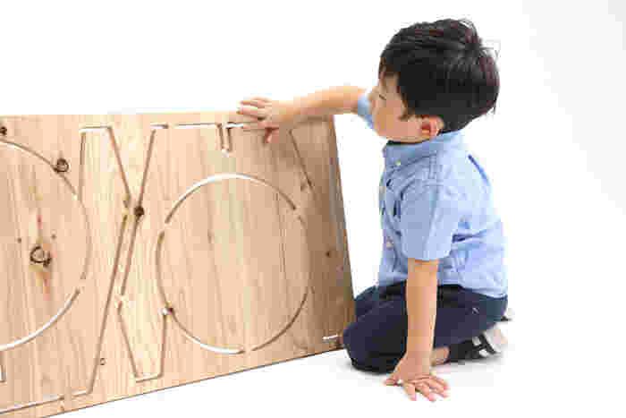 ハードルが高く思える家具作りも、プラモデル感覚でお子さんとコミュニケーションを楽しみながらラクラク出来ちゃいます。