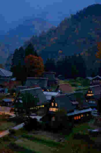 世界遺産や古い町並み、可愛らしい動物、豊かな自然や絶景。魅力的なミュージアムなど岐阜県は大人から子供まで満足できる観光スポットや名所がいっぱい。ぜひ次の旅行の候補に岐阜県はいかがでしょうか。どの季節に訪れても素敵な想い出を作れそう。