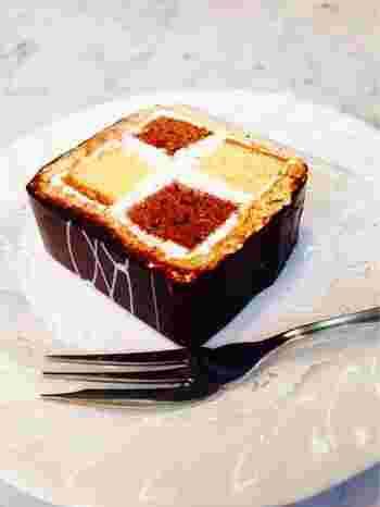 """創業当時からある一品。「ダミエ」とは美しいケーキの""""市松模様""""にちなんだネーミングです。生クリームが主流の今、こってりしたバタークリームのケーキはとても新鮮!"""