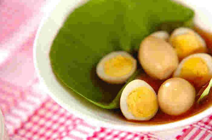 お弁当サイズにぴったりな「ウズラのたまごの生姜煮」。血行・代謝の促進などの効果で体を温めてくれます。漢方でもお馴染みの生姜には、免疫細胞を活性化させる効果も期待できるので健康メニューとして取り入れたいですね。