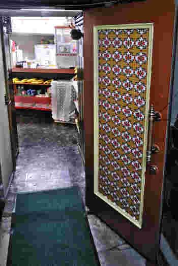 銀座のコリドー街にあるビルの地下にある「バナナジュース コリドール」は、先ほどご紹介した「銀座 バナナジュース」の姉妹店。