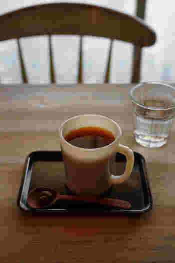 3po caféの珈琲は、有機無農薬・フェアトレード専門自家焙煎珈琲。生豆を一粒一粒ハンドピックし、焙煎してあります。焙煎したての新鮮な珈琲をお客様に提供しているそうです。