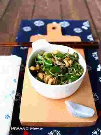 じゃこが入った甘辛味で、おつまみとしても、ご飯のふりかけとしても使える常備菜。お弁当に緑が足りない時にも便利です。