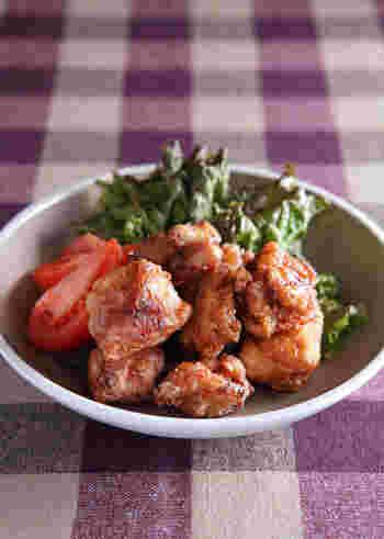下味にハチミツを少し加えると、お肉が柔らかくジューシーになるそうです。味に旨味や深みも出るので一石二鳥。試してみる価値がありそうです。