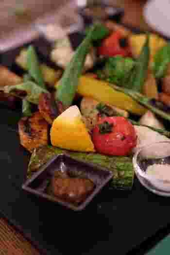 季節のお野菜のグリルもはずせません。シンプルなお料理だけに、素材の良さが引き立ちます。