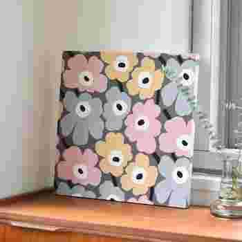 春を感じさせる雑貨やパネルを飾れば、お部屋は一気に春モードに。気持ちが明るくなるような春らしいデザインを選ぶのがポイントです♪