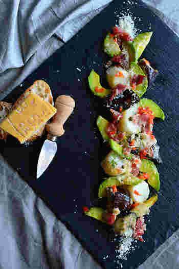 今回は、夏野菜の代表・茄子の美味しいレシピをどどんとご紹介しました♪和洋中どんな料理にもピッタリな茄子を使って夏バテ防止の美味しいメニューを是非、食卓に並べてください♪