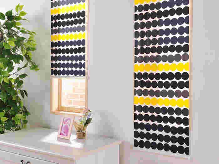 ベーシックな色を選びがちなカーテンやラグですが、寒さを吹き飛ばすような明るいデザインでお部屋を彩れば、楽しい気分になれますね。