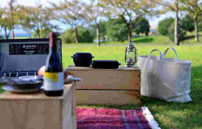 WEEKENDERといっしょに公園へ。お弁当を持って行くのではなく、その場でおいしいお料理を作る、ちょっぴり贅沢なおとなのピクニックに。