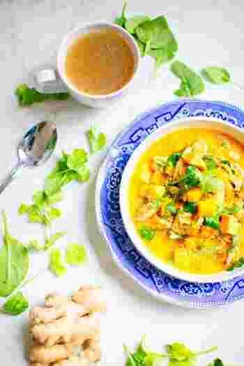 一汁一菜でもきちんと栄養を摂るために、一杯でお腹も心も満足できる汁物をつくりませんか?今年の冬は、おかずにもなる具だくさんのスープ&味噌汁で体の内側から暖まりましょう♪