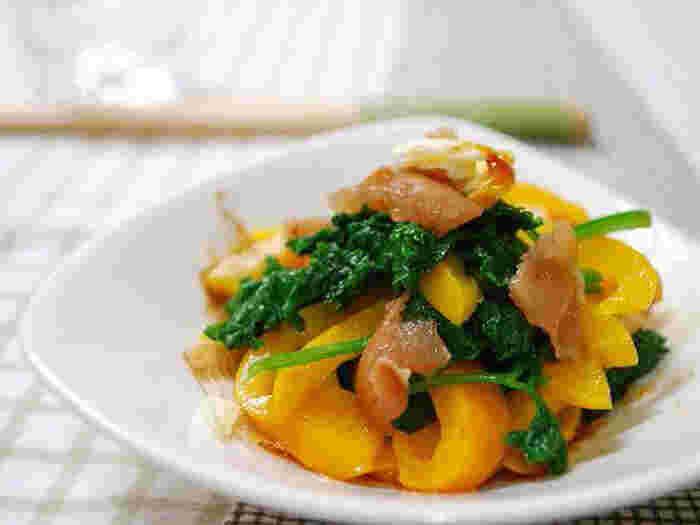 パセリ、黄色のパプリカ、梅とかつお節で作るおひたし。地味になりがちなおひたしも、カラフルな野菜と組み合わせれば色鮮やかで、食卓がパッと明るくなりそう。