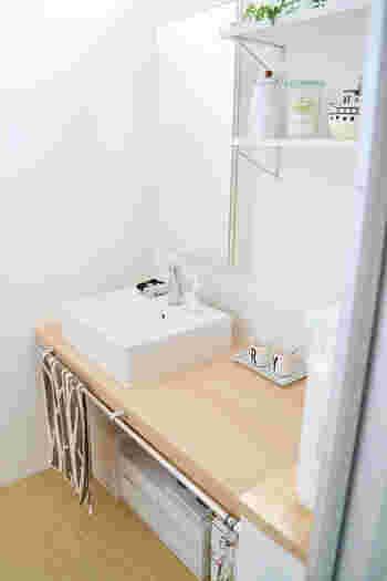 ナチュラルな洗面台下の収納に。PPケースのすっきりした外観がインテリアを邪魔しません。