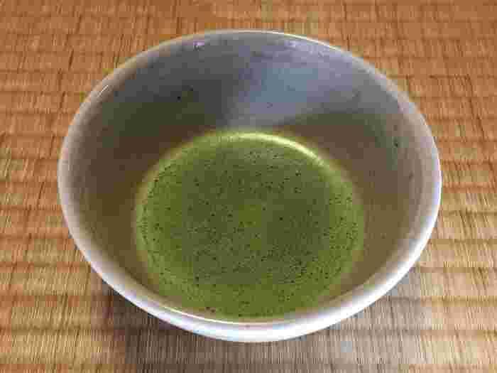 国宝の座敷で、銘茶を頂きながら、美味しい和菓子を頂くのは、実に贅沢。ゆったりと味わって帰りましょう。