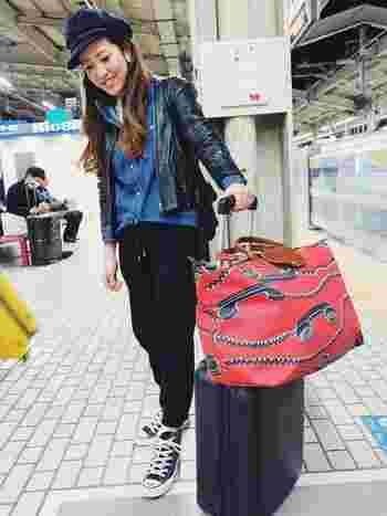 行きは折り畳んで持参して旅先の散策用として使ったり、帰りにお土産を入れるために使ったりと用途はいろいろ。