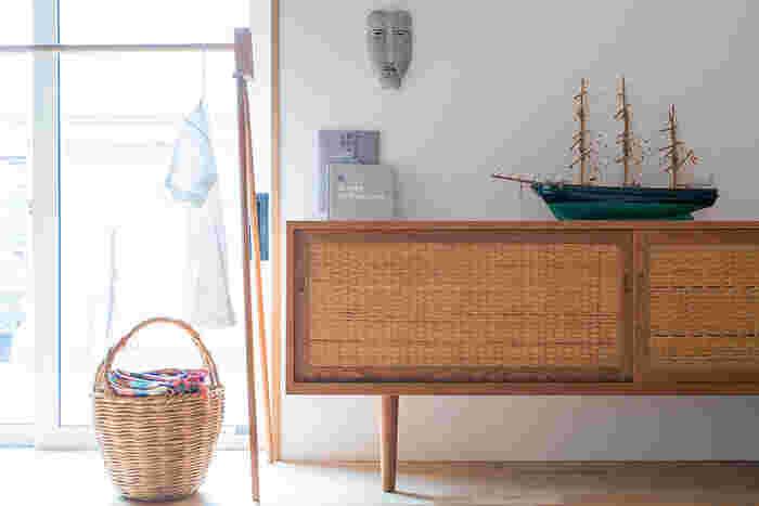 halutaは東京・長野・そしてデンマークのコペンハーゲンに拠点を持ち、北欧のヴィンテージ家具や雑貨の輸入販売、オリジナルの家具作りや住宅・店舗の空間デザインやプロデュースまで幅広く手がけている会社で、時を経ても価値の残る住まい方、暮らし方を提案しています。