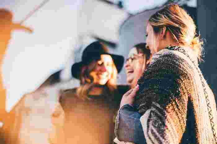 友達との会話においても、言い方の違いによってその関係性が変わってくるでしょう。ポジティブな言葉を使うことで、雰囲気が良くなり会話も広がりそうです。