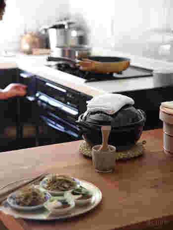 ご飯も炊飯器で炊くよりもスピーディで、ふっくら美味しい仕上がりに。また、保温性にも優れているので、余熱調理も可能です。ガス代の節約にもなりますね。