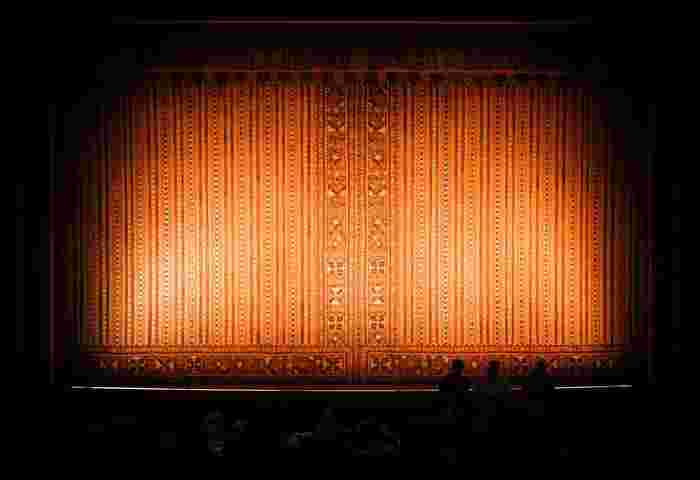 この作品の見所はなんといっても、空中ブランコや動物までもが登場する大迫力のパフォーマンスシーン。印象的な音楽は、あのミュージカル映画「ラ・ラ・ランド」のベンジ・パセックとジャスティン・ポールが担当しています。