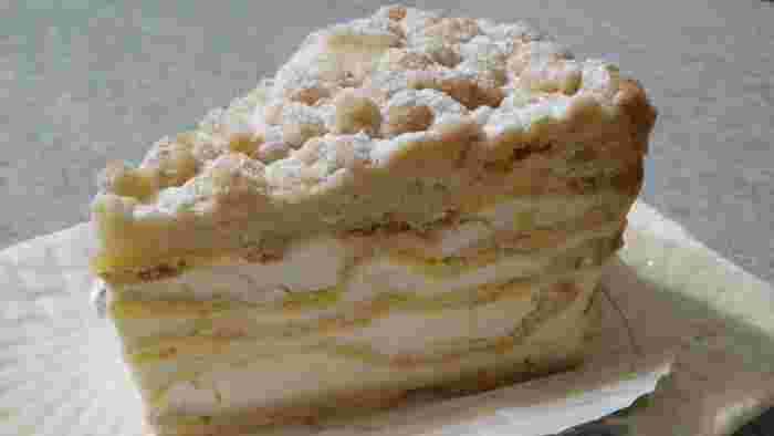 ショコラーデントルテというなめらかなバターケーキは、どこか懐かしい味。